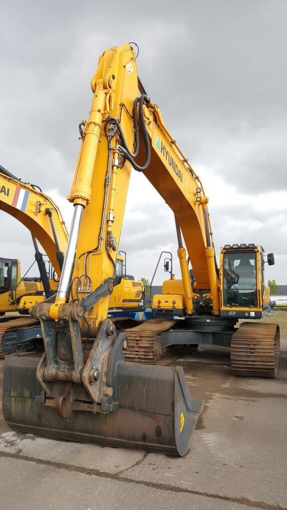 hyundai robex 330lc-9a excavator
