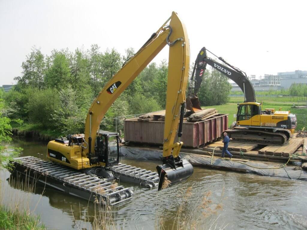 Excavators - Amphibious