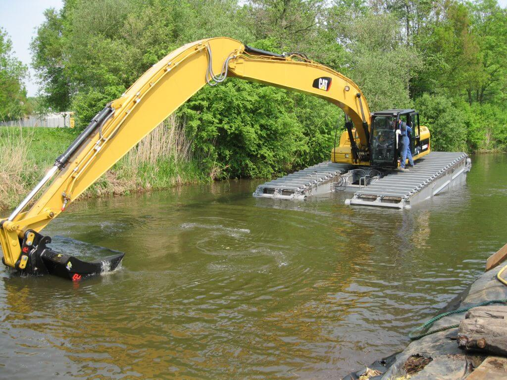 Excavators Amphibious Caterpillar