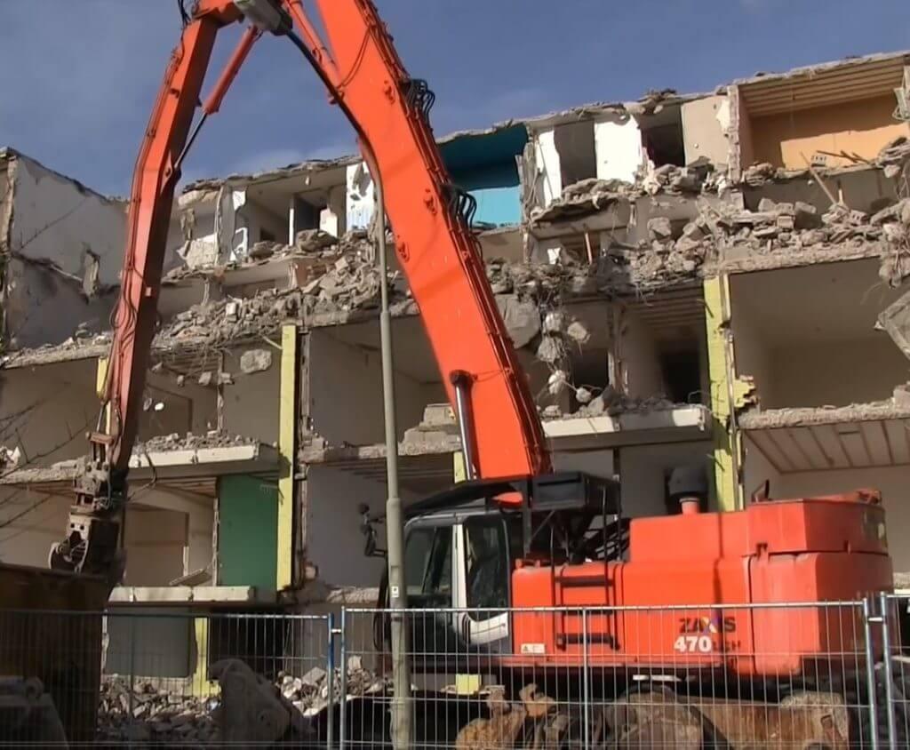 Hitachi ZX470 demolition excavator