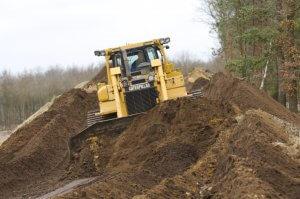 Voor huren van bulldozer, wielladers, dumpers. zeven, brekers, overslagmachines en graafmachines